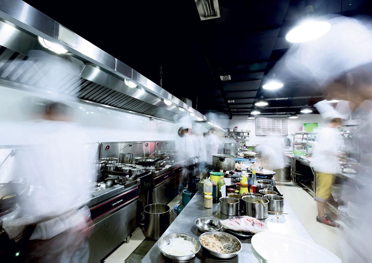 Confimprese: retail, la ristorazione traina il settore