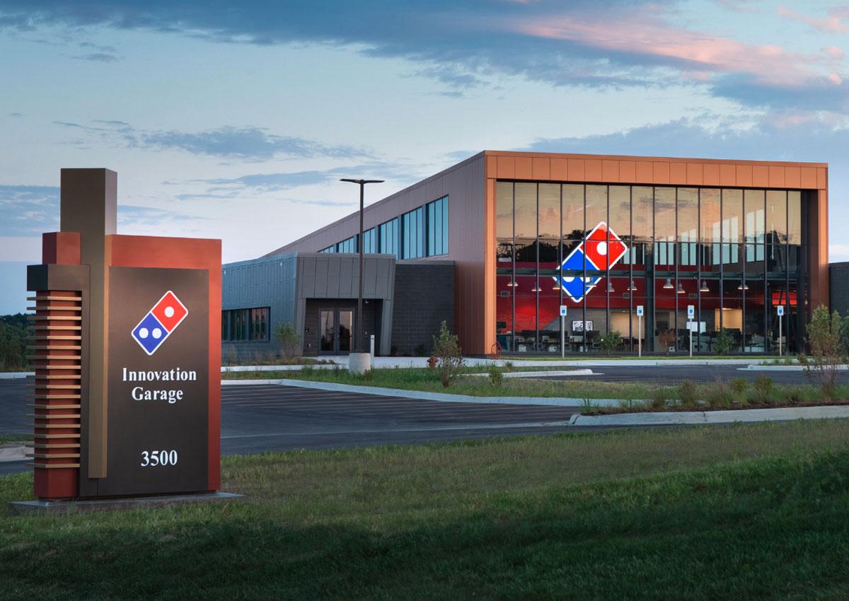 """Diamo uno sguardo dentro al """"Garage Innovazione"""" di Domino's Pizza"""