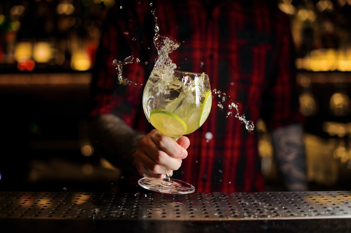 Precipita l'export di gin made in Uk: Covid e Brexit sotto accusa